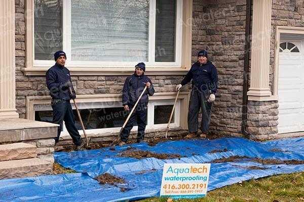 aquatech-waterproofing-team-excavating